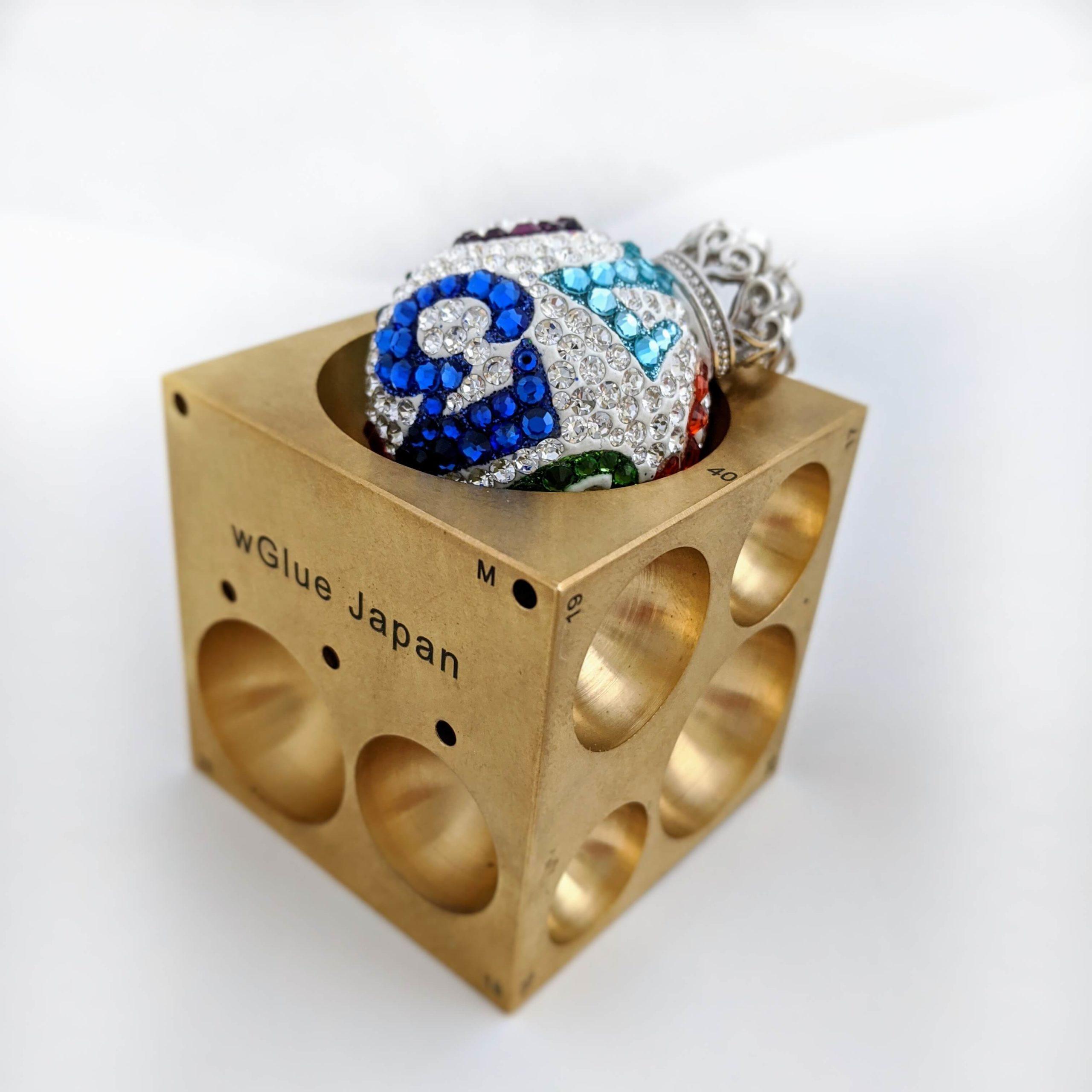 グルーデコのジュエルボールを作る際に使用するモルド