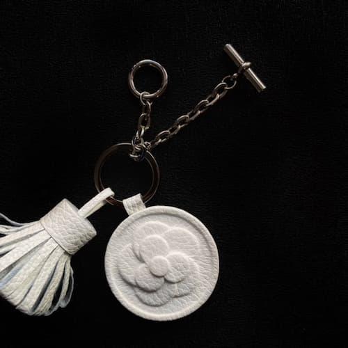 イタリアンレザー(革)を使ったおしゃれな手作り簡単キーホルダー